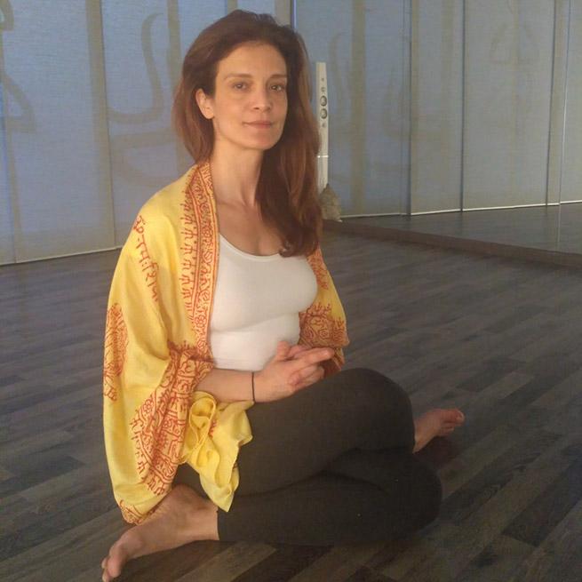 Yoga Teacher, δασκάλα yoga, Κατερίνα Μπατζιλάκη