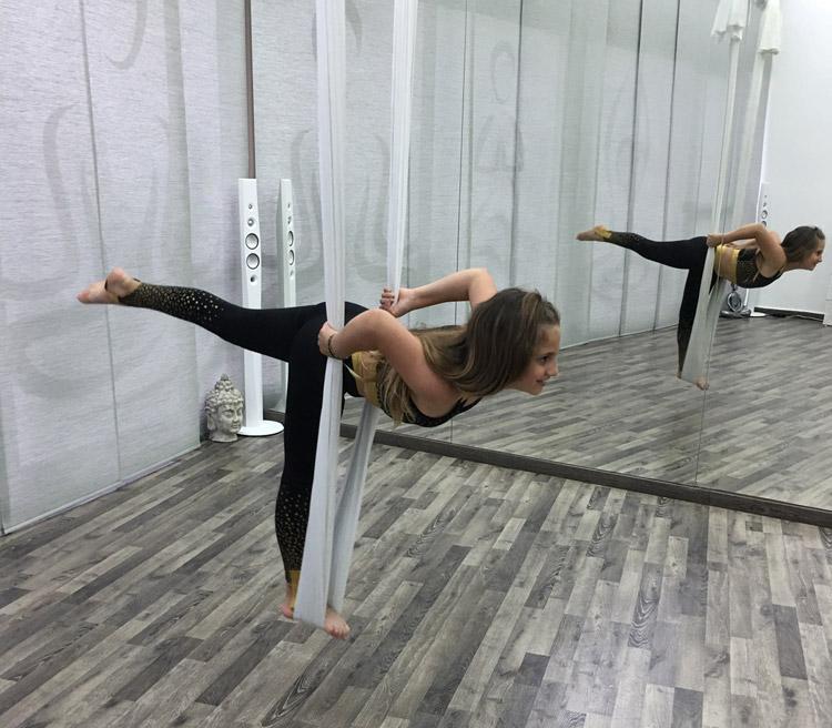 aerial-kids-yoga-3